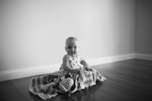 lifestyle melbourne sitter photography black and white photo baby girl